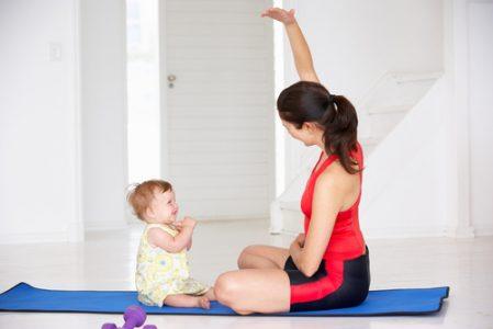 gimnastica postntala mama bebe