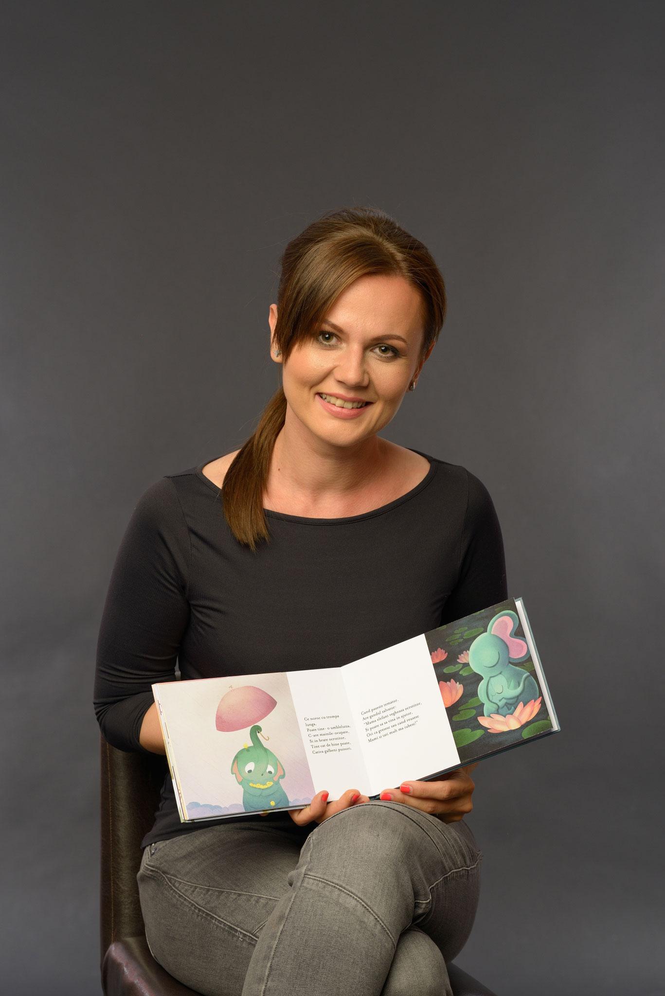 Antreprenoarele Cuibului: Madalina Mirastian si poezia-cadou