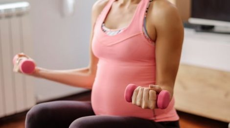 gimnastica-prenatala-mananca-pentru-doi-se-schimba-misca-te-pentru-doi