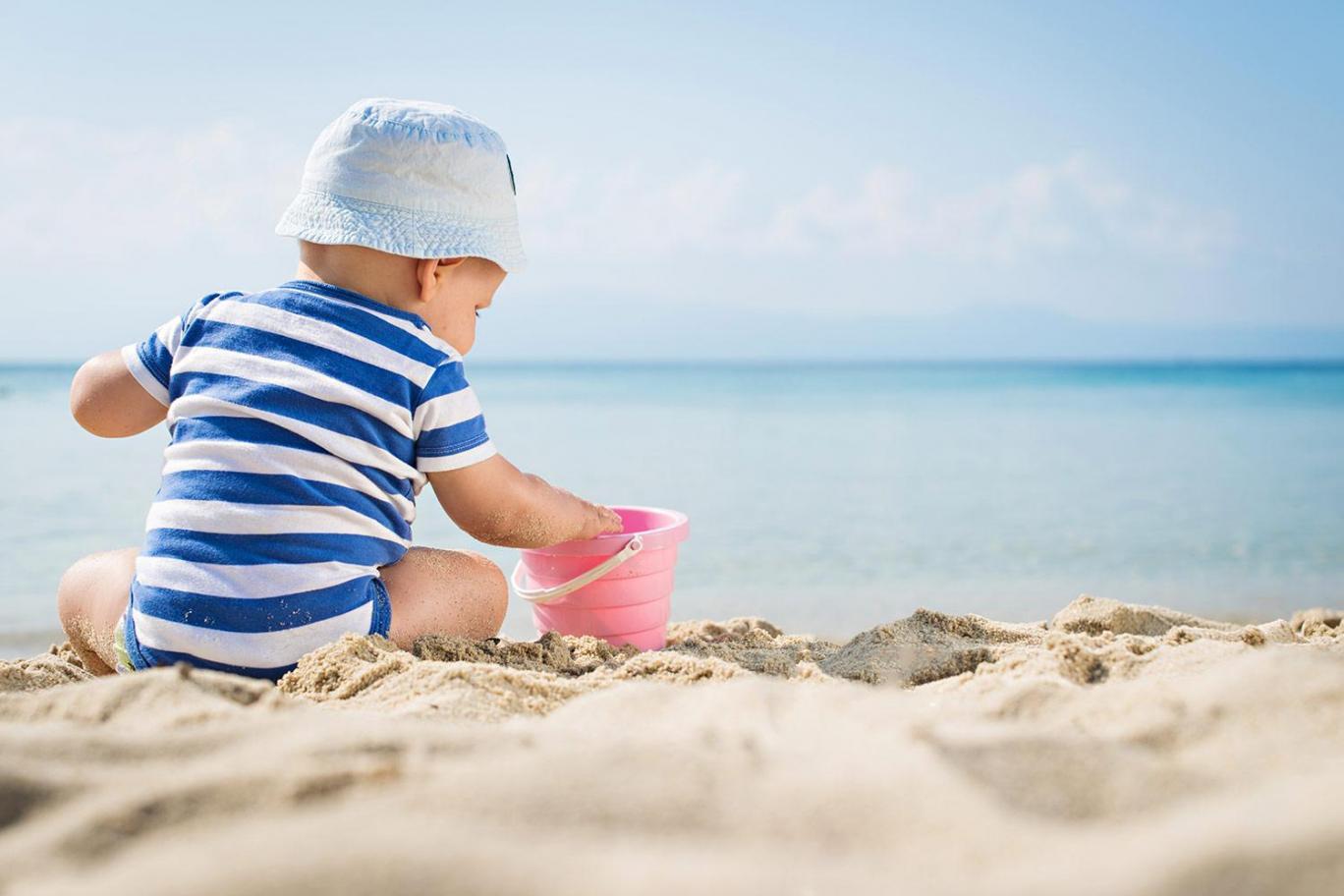 cum îţi protejezi bebeluşul de soare