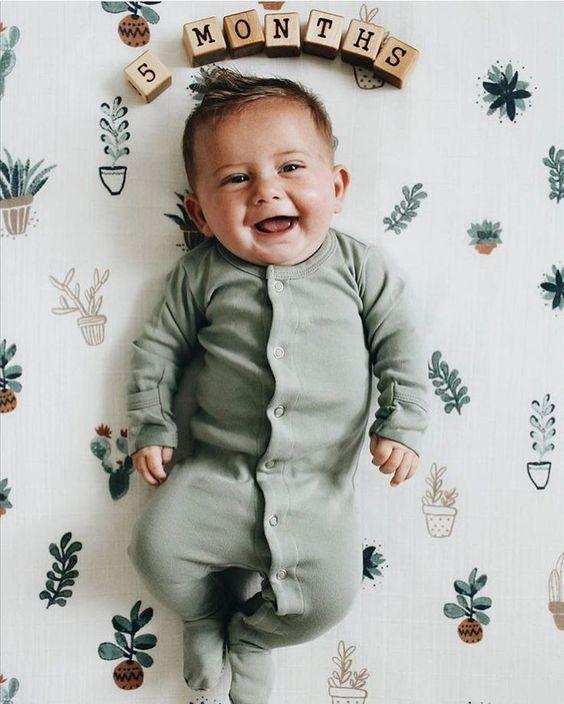 bebe 5 luni